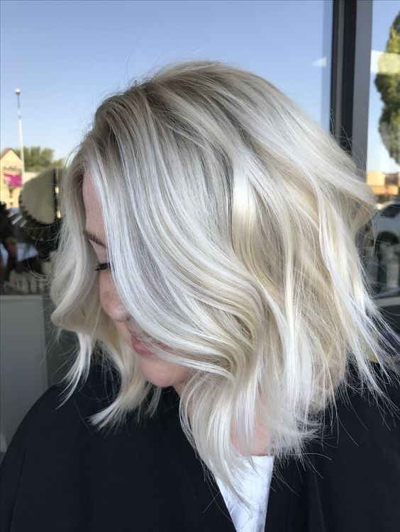 Best Platinum Blonde Hair Color Ideas (1)