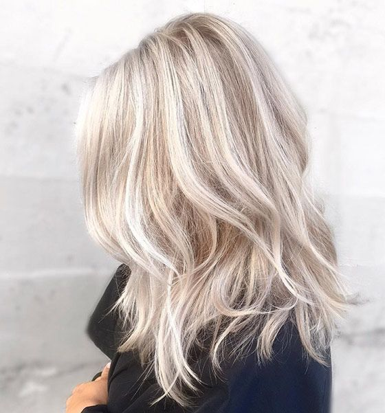 Best Platinum Blonde Hair Color Ideas (3)