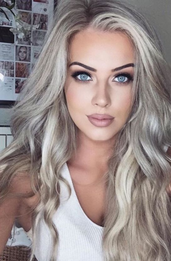 Best Platinum Blonde Hair Color Ideas (5)